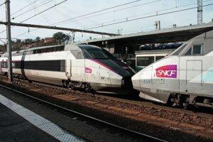 Téléphone SNCF dans le but de se rapprocher du service clients