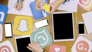 Contacter le service client sur les médias sociaux
